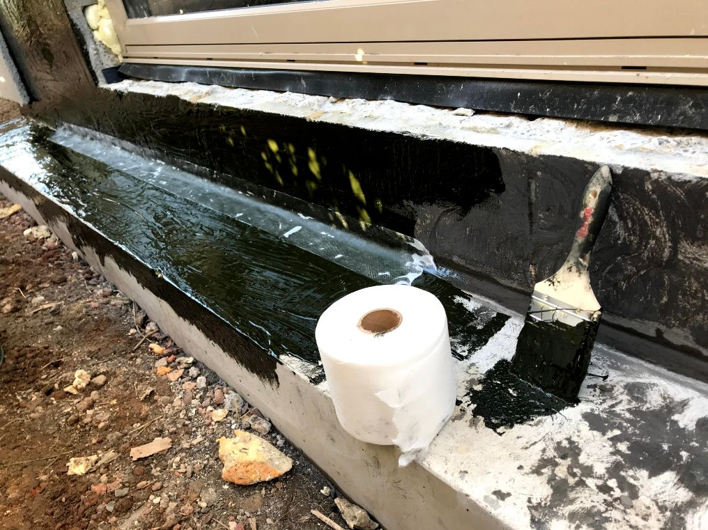 Leaking Garage Crack Injection